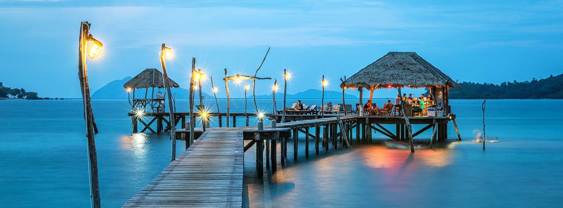 beach-caribbean-jetty-1901x702